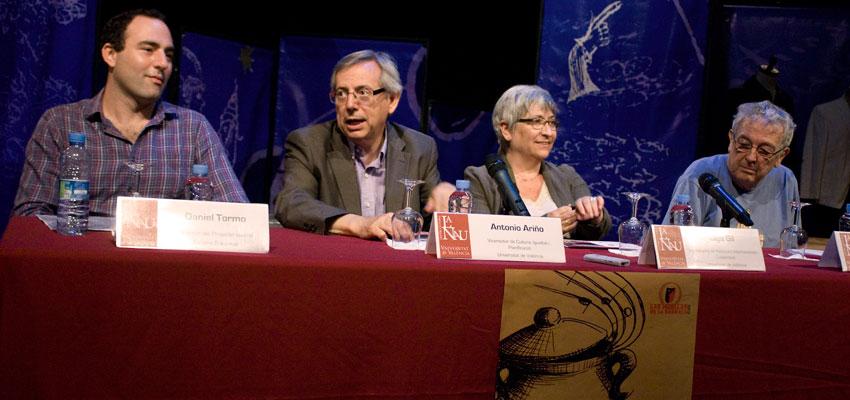 """Escena Erasmus presenta en la Universitat de València su nuevo espectáculo """"Lorca, Calderón y los estudiantes de Babel"""" para Las Huellas de la Barraca 2012 organizado por Acción Cultural Española (AC/E)"""
