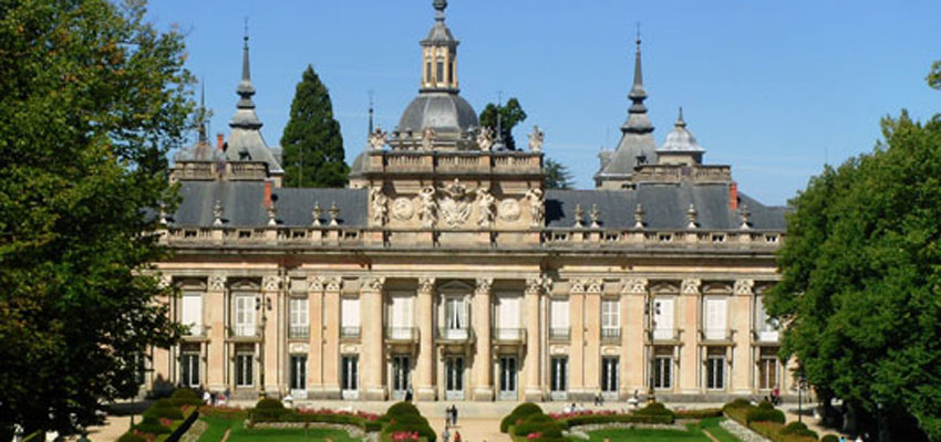 La Barraca europea visita hoy la Granja de San Ildefonso (Segovia), esta noche a las 20 h. en la Plaza de la Cebada