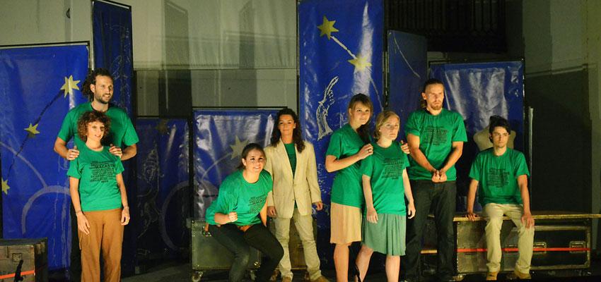 Escena Erasmus cierra su gira en Macastre y se solidariza con los incendios de este verano