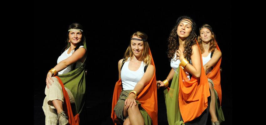 """Las Pequeñas Europas y su espectáculo """"Los Viajeros"""" de Escena Erasmus se presenta en Valencia ante una gran expectación"""