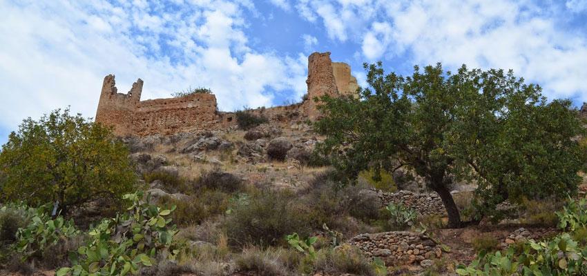 Imagen del castillo de Gestalgar desde el mirador