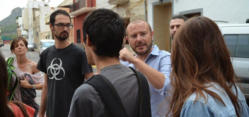 Toni Gaspar visitando y explicando el municipio de Faura